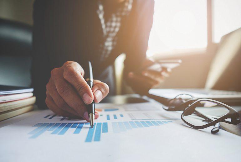Consolideur ou contrôleur de gestion, quel profil recruter en renfort lors de la clôture annuelle de vos comptes ?